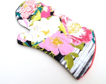 Modern Floral Quilted Oven Mitt in Pink and Blue Fabric
