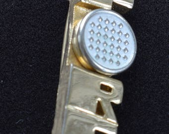 "Golf Pin, ""FORE"", Gold tone, White Enamel, Sports, Vintage (F9)"