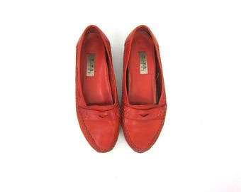 RED Leather Loafers Penny Loafer Flats Deck Shoes Preppy Boho Moccasins Flats Women's slip on shoes size 7.5 M