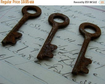 ONSALE 3 Antique Rusty Skeleton Keys Perfect Size for Assemblage and Jewelry Supplies