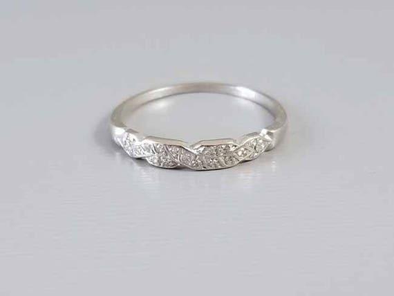 Antique early Art Deco platinum 20 diamond wedding band ring, size 6