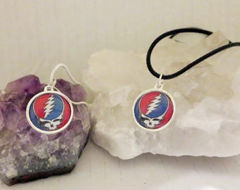 Grateful Dead Necklace, Steal Your Face Pendant, Gifts for Music Lovers, Deadhead Necklace Present, Festival Wear His or Hers Stealie