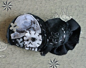 "Decorative hair ""Capernaum"" black and skull"