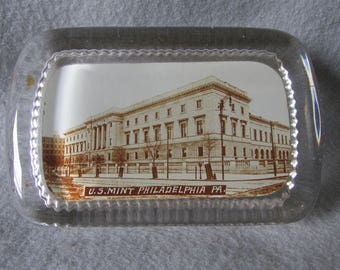 United States Mint, Philadelphia Pennslyvania Glass Paperweight, Money Currency History