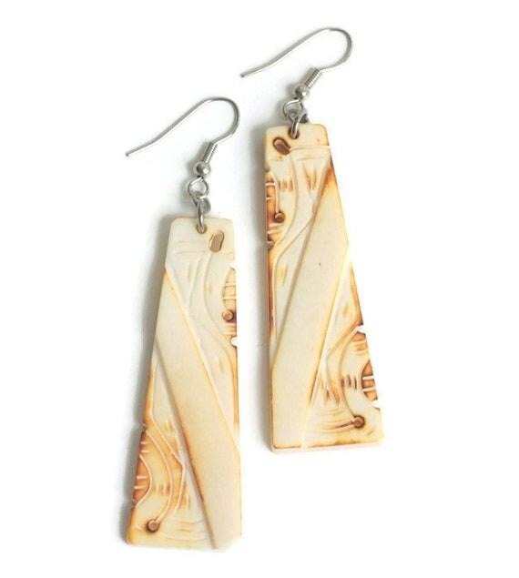 Tribal Design Dangle Earrings Carved Burn Out Design Simulated Bone Drop Pierced Earrings