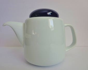 Vintage White Teapot - Dripless Tuscany Japan White Teapot With Blue Lid - Modern Style Teapot Made in Japan 1980s