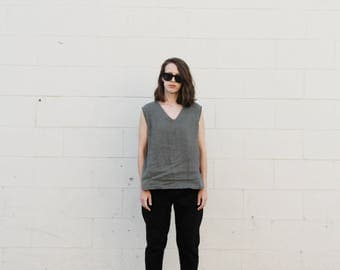 Army green linen v neck tank blouse. S/M