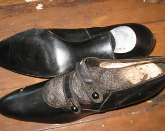 Antique Vintage LADIES SHOES with Shoe Buttons
