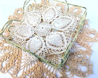 Vintage Crochet Doilies,Lot of 6, Filet,Crochet Lace Borders,Mid Century,Pineapple Pattern,Ecru,Cream Beige,Home Decor,1940-1960sCenterpiece