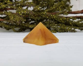 Gold Quartz Gemstone Pyramid - Stone for Hidden Gifts