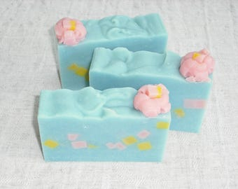Spring Dreams Soap / Fresh Clean Air Scent /  Artisan Soap / Cold Process Handmade Soap