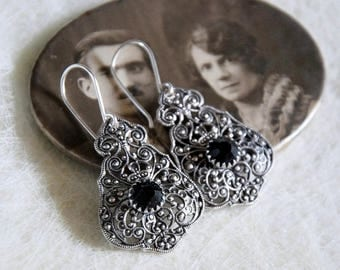 Small black Baroque earrings