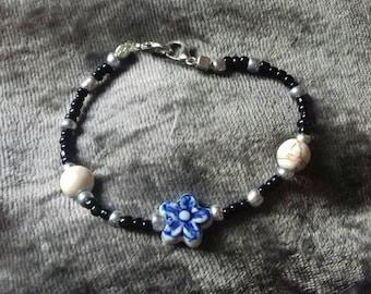 Beautiful Blue Flowers Bracelet