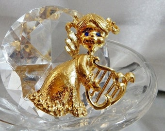 SALE Vintage Little Girl Angel with Harp Brooch. Gerry's.  Gold Tone Christmas Angel Child Pin with Harp.