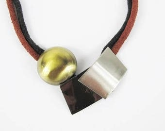30% Off FLASH SALE Vintage 1980s Leather Necklace Modern Geometric Shapes Metal Gold Pewter Tone Statement Choker Burgundy Red Black Suede N