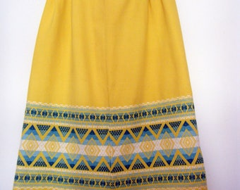 1970s EMBROIDERED MEXICAN TAPESTRY Skirt fit and flare midi style cotton skirt, size m