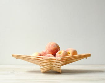 Vintage Bamboo Fruit Basket Bowl, Folding Bowl
