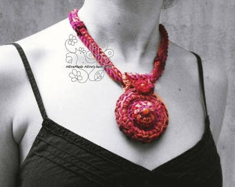 Fiber art necklace, Red crochet necklace, Statement necklace, Textil jewelry, Crochet jewelry, textil art necklace, African, tribal, OOAK
