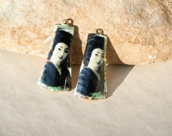 Geishas - 2 charms tiles for earrings creation supply 3,5cm