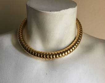 80s 90s Gold Metal Coil Choker Necklace • Costume Statement Necklace