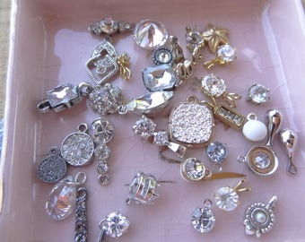 Vintage Jewelry Lot, Vintage Destash, Jewelry Destash. Costume Jewelry Lots. Rhinestone Drops, Rhinestone Glass Tiny Pendants Lot D72