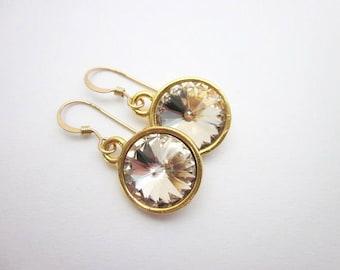 Gold & Champagne Earrings -- Champagne Drops -- Champagne Crystal Earrings -- Champagne Swarovski Earrings -- Light Silk Earrings