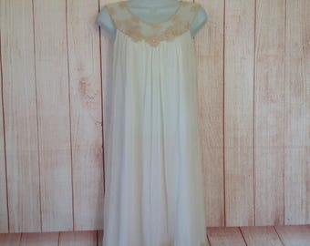 Vintage Kayser Ivory Nylon Knee Length Ladies Small Embroidered Tank Top Gown Lingerie