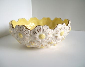 VINTAGE Embossed Ceramic Flower/Daisy Bowl, Handmade, Yellow & Cream with Gold Detail