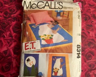 "80's Vintage ""ET"" Quilt Sewing Pattern"