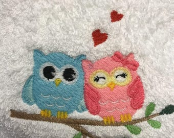 Love Owls embroidered hand towels