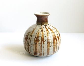Victoria Littlejohn Studio Pottery Stoneware Brown Lines on Gray Vase 172