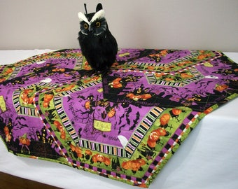 Halloween Table Topper Interlocking Hexagonal Quilted Happy Haunting Quiltsy Handmade FREE U.S. Shipping