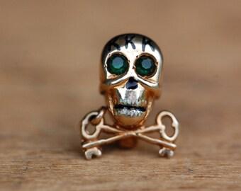 Vintage 1930s 14K Kappa Kappa Kappa fraternity skull pin with enamel teeth
