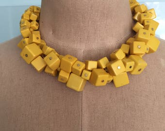 Vintage Bakelite Necklace Yellow Cubes
