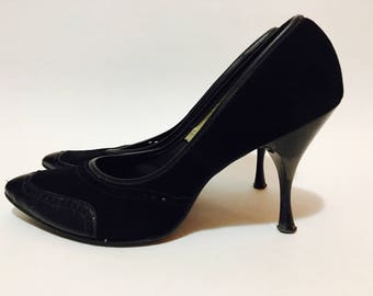 VINTAGE 1960's Black Suede & Leather Heels Pumps Pin Up Shoes Size 7.5-8