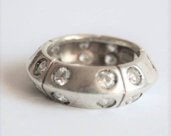 Vintage sterling silver ring with crystals. UK size L ring.  US size 5 3/4 ring.  Vintage jewellery
