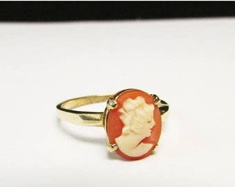 On Sale Vintage Estate Dainty 1930's 14KT Carved Shell Cameo Ring