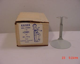 9 Vintage Kaiser Doll Stands #2001 For 6 1/2 - 11 Inch Dolls Cushion Coated Wire  17 - 888