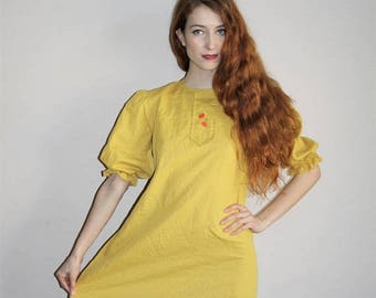 On SALE 35% Off - Vintage 60s Mod Mustard Yellow Embroidered Apple Novelty Babydoll Dress - 1960s Dresses - 60s Clothing - WV0370