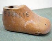 Antique Wood Baby Shoe Form - wooden children's shoe mold - Vintage Farmhouse Decor