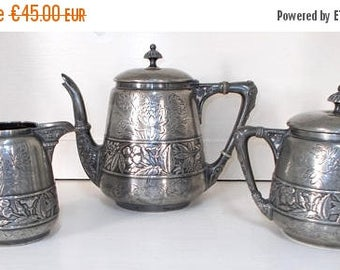 SALE 10% OFF Meriden Silver Plate Co. Quadruple Plate.  Antique Tea Set