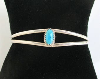 Sterling Silver & Turquoise Cuff Bracelet - Vintage Native American / Southwestern