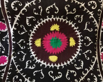 Vintage Uzbek Samarkand suzani. Wall hanging, table runner, bed cover suzani. SW054