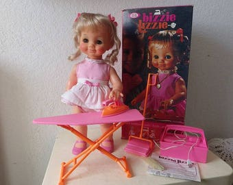 BIZZIE LIZZIE DOLL (Busy Lizzy) with original clothing and accessories in box, 1971