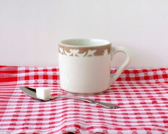 Syracuse China Nutmeg White Ironstone Coffee Mug. Vintage Restaurant Ware.