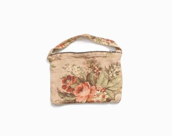 Vintage 40s Tapestry PURSE / 1940s Sweet Floral Fabric Hand Bag