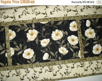 Sale Christmas in July Elegant Table Runner, Midnight Poppies by Wilmington Prints, quilted, handmade