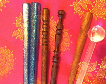 Hair sticks collection: lot of 6/hand carved 3 wood/3 plastic/Vtg 50s