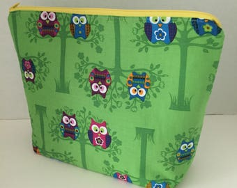 Two Owls in a Tree - Medium Zippy Project Bag