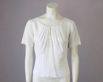 50s Vintage White Nylon Pleated Cropped Short Sleeve Blouse (M)